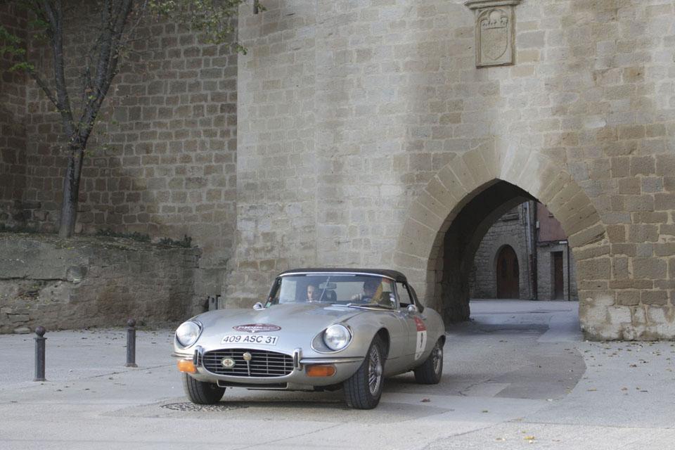 location-jaguar-type-e-cabriolet-seminaires-incentive-voitures-anciennes-drive-classic-6