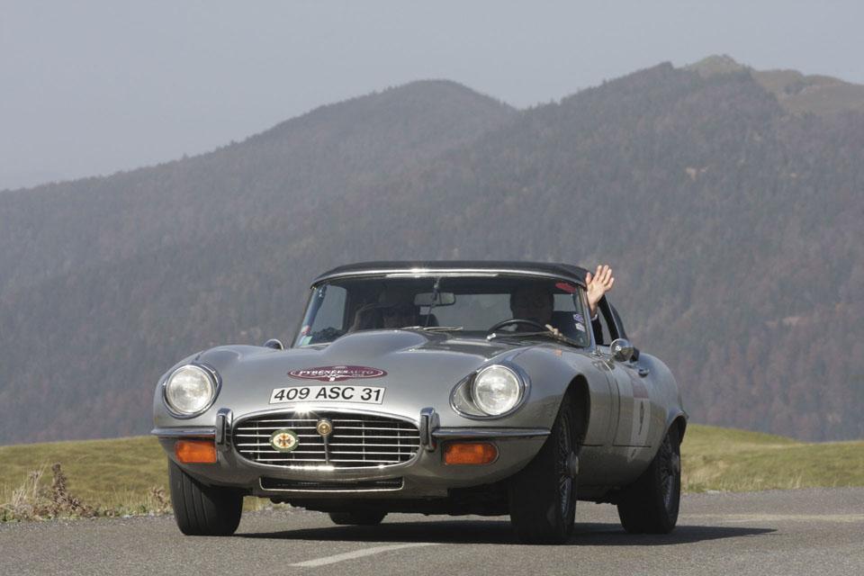 location-jaguar-type-e-cabriolet-seminaires-incentive-voitures-anciennes-drive-classic-8