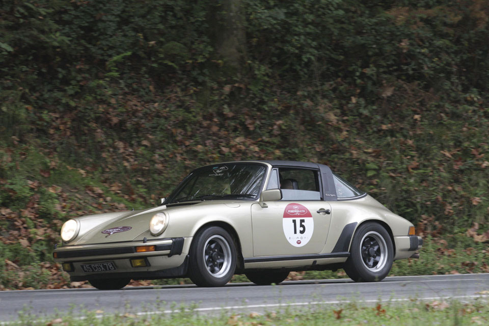 location-porsche-911-targa-seminaires-incentive-team-building-rallyes-location-automobiles-collection-drive-classic-12