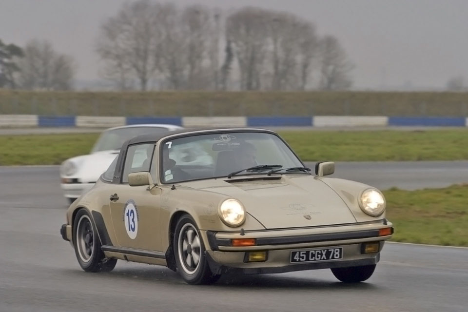 location-porsche-911-targa-seminaires-incentive-team-building-rallyes-location-automobiles-collection-drive-classic-4