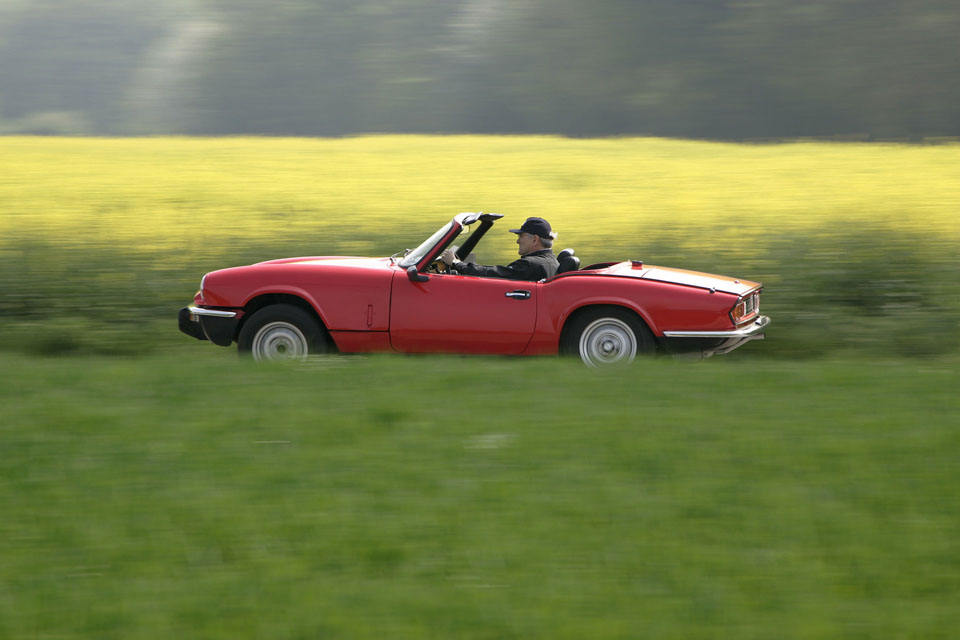 location-triumph-spitfire-incentive-team-building-seminaires-automobiles-collection-drive-classic-2
