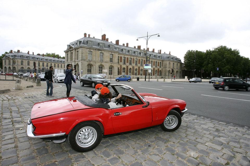 location-triumph-spitfire-incentive-team-building-seminaires-automobiles-collection-drive-classic-4