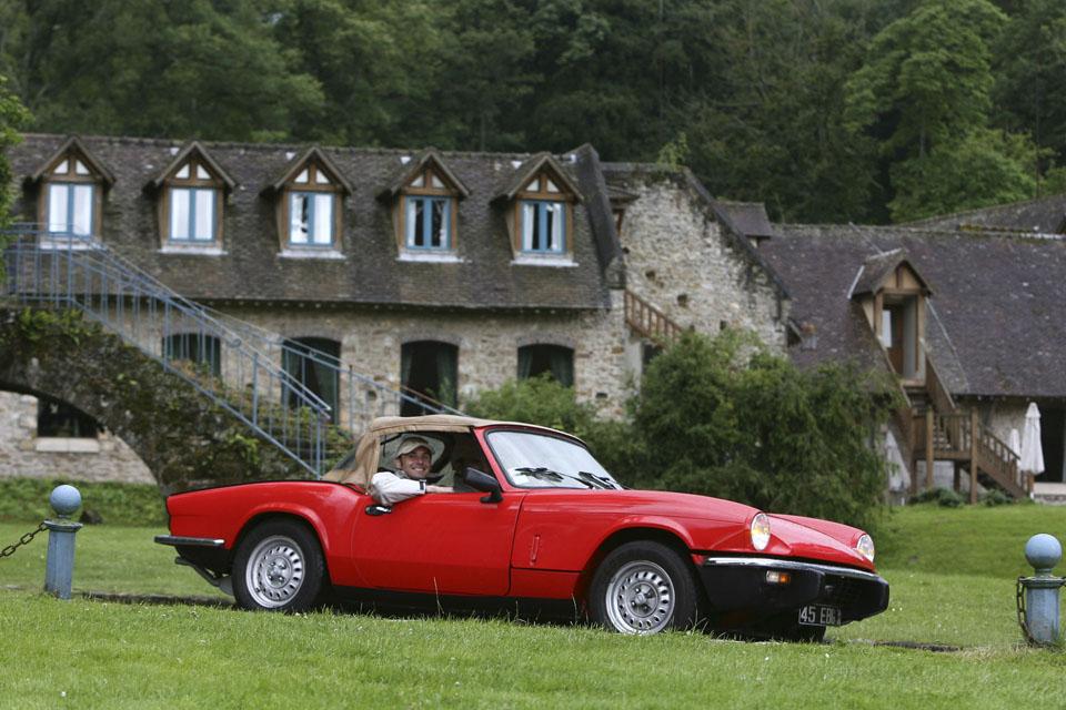 location-triumph-spitfire-incentive-team-building-seminaires-automobiles-collection-drive-classic-8