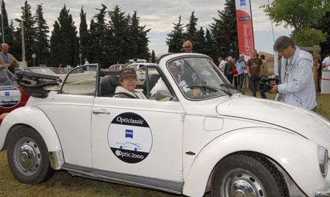 location-volkswagen-coccinelle-cox-cabriolet-automobiles-collection-drive-classic