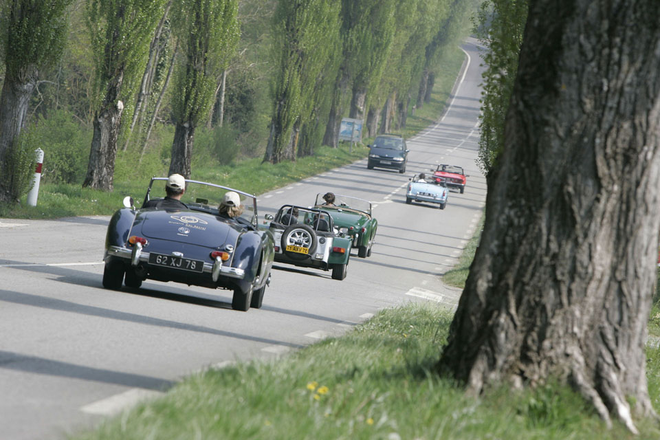 team-building-seminaires-incentive-location-automobiles-collection-drive-classic-6