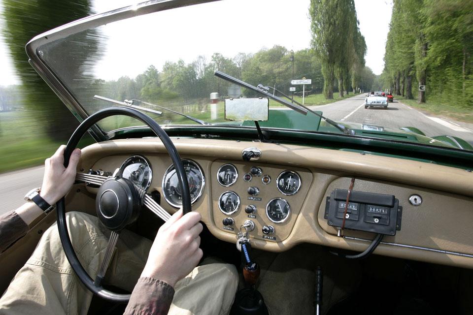 Location Voiture Ancienne Cabriolet 01
