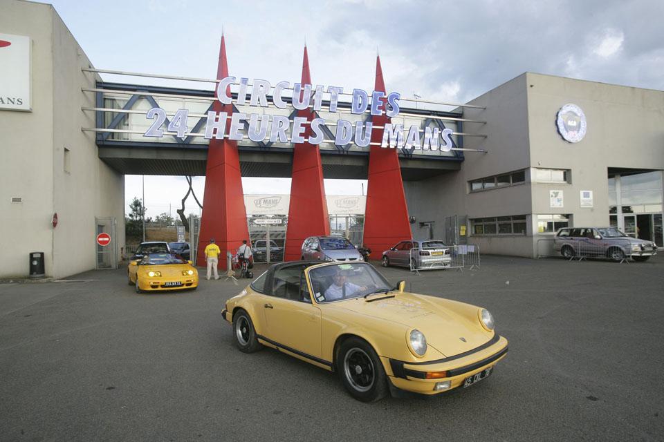 evenementiel-communication-evenementielle-seminaires-incentive-location-voitures-anciennes-drive-classic1