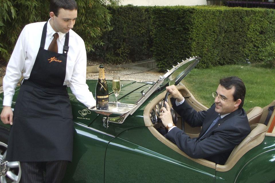 location-automobiles-collection-prises-de-vues-mode-pub-cinema-television-tv-drive-classic-14