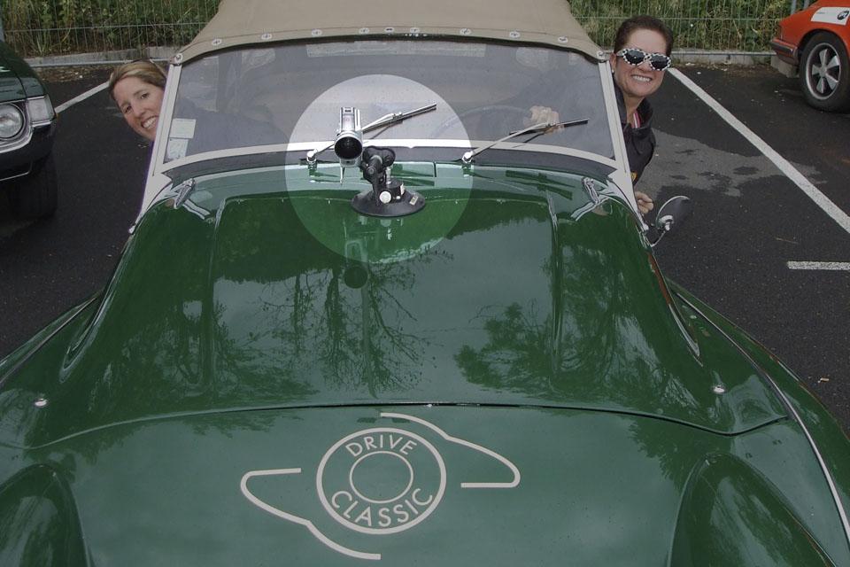 location-automobiles-collection-prises-de-vues-mode-pub-cinema-television-tv-drive-classic-15