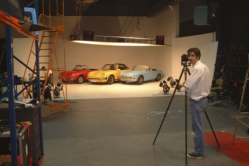 location-automobiles-collection-prises-de-vues-mode-pub-cinema-television-tv-drive-classic-22