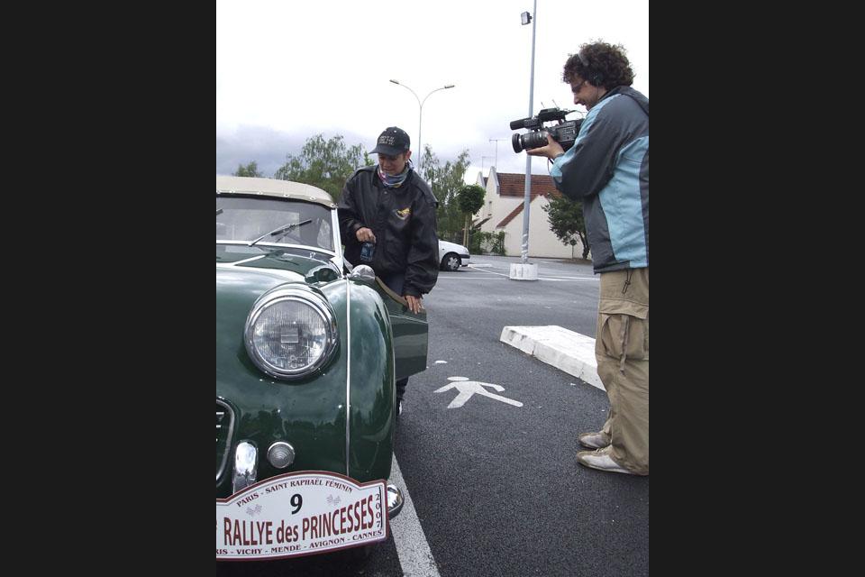 location-automobiles-collection-prises-de-vues-mode-pub-cinema-television-tv-drive-classic-25