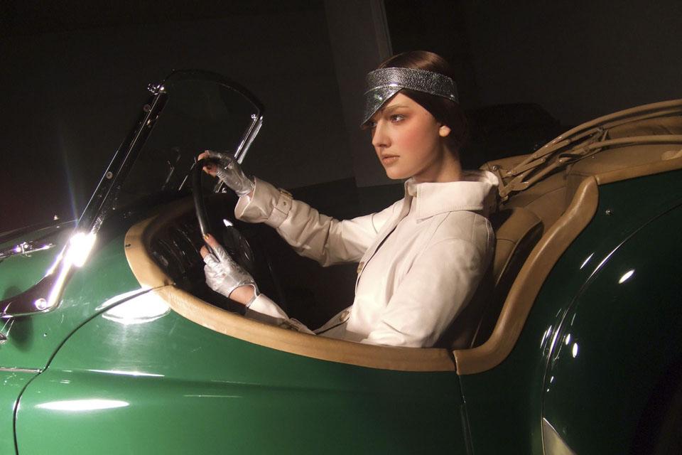 location-automobiles-collection-prises-de-vues-mode-pub-cinema-television-tv-drive-classic-3
