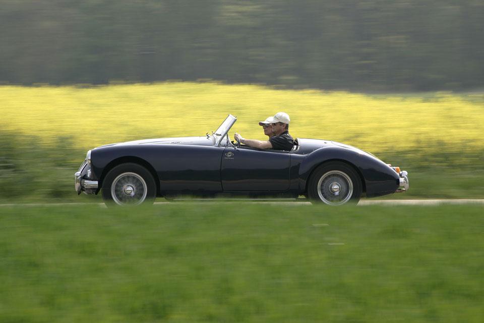 location-automobiles-collection-prises-de-vues-mode-pub-cinema-television-tv-drive-classic-7-2