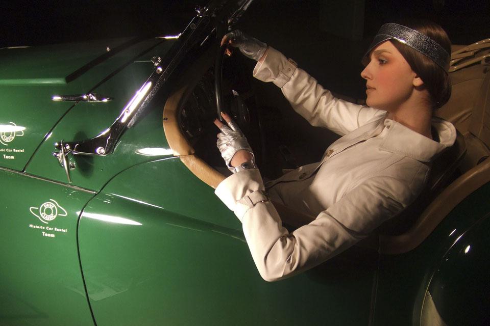 location-automobiles-collection-prises-de-vues-mode-pub-cinema-television-tv-drive-classic-9