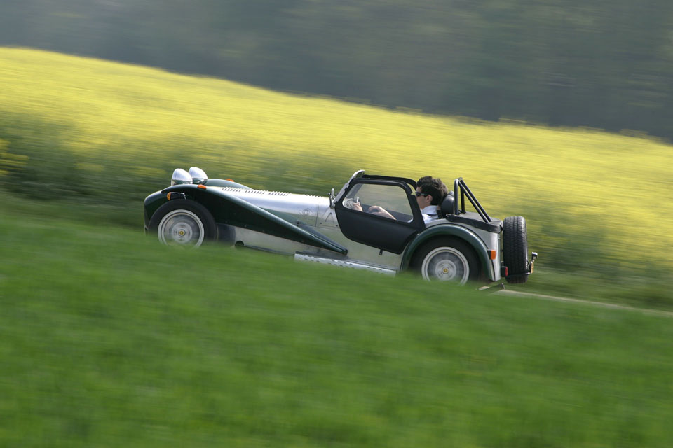 location-caterham-automobiles-collection-team-buiding-coaching-seminaires-incentive-drive-classic-01