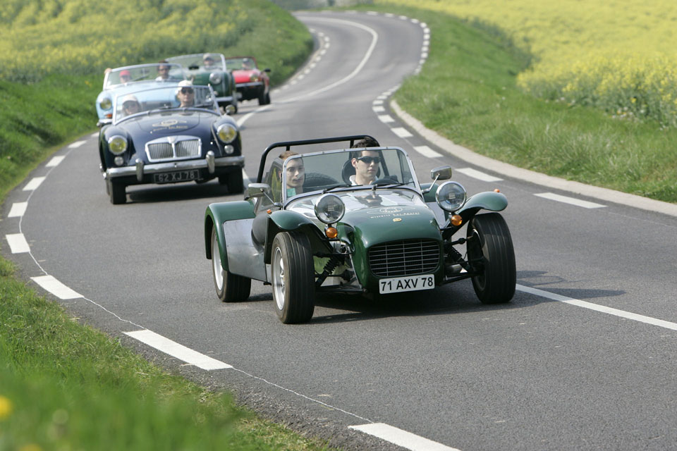 location-caterham-automobiles-collection-team-buiding-coaching-seminaires-incentive-drive-classic-04
