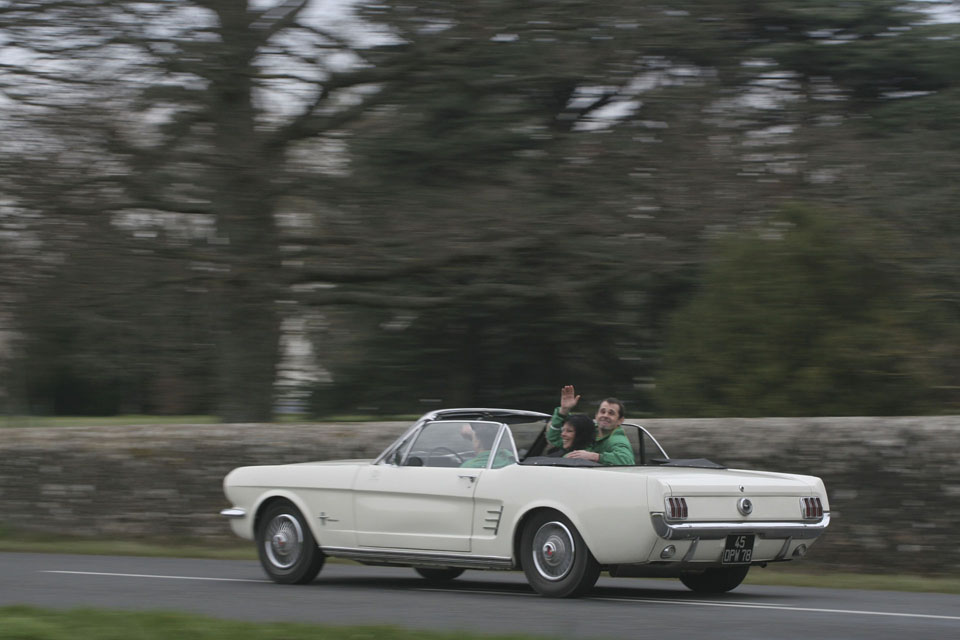 location-ford-mustang-cabriolet-seminaires-incentive-voitures-anciennes-drive-classic-2