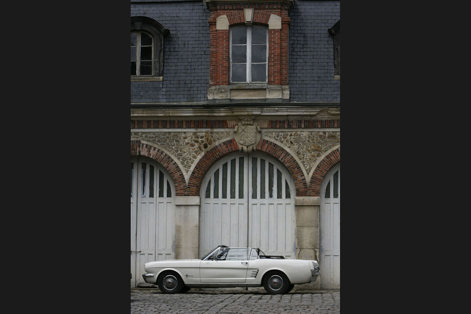 location-ford-mustang-cabriolet-seminaires-incentive-voitures-anciennes-drive-classic-4