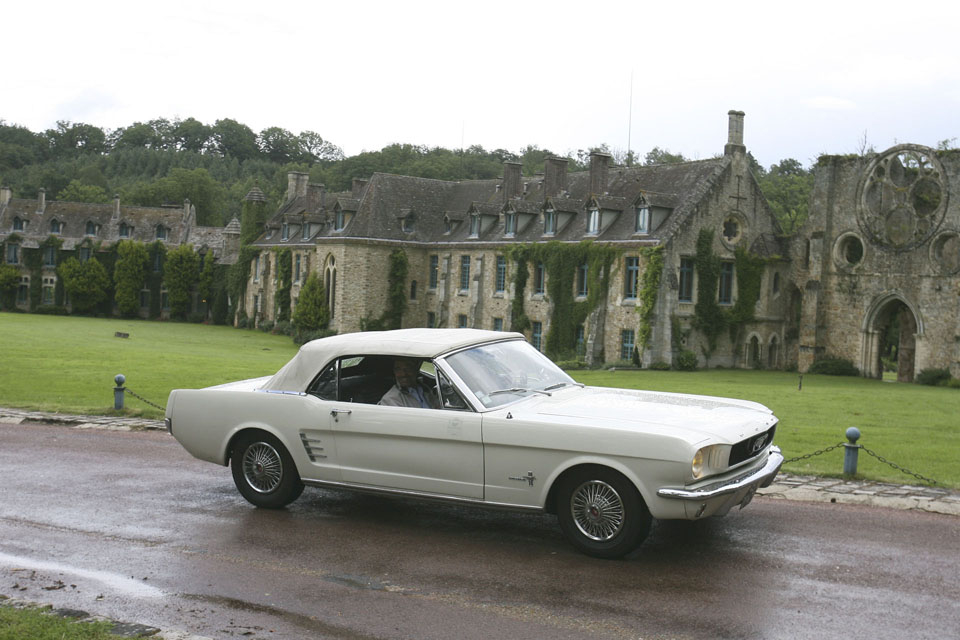 location-ford-mustang-cabriolet-seminaires-incentive-voitures-anciennes-drive-classic-6