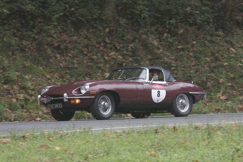 location-jaguar-type-e-cabriolet-seminaires-incentive-voitures-anciennes-drive-classic