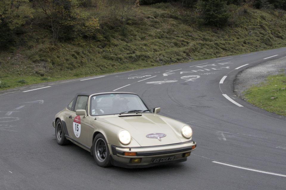 location-porsche-911-targa-seminaires-incentive-team-building-rallyes-location-automobiles-collection-drive-classic-18
