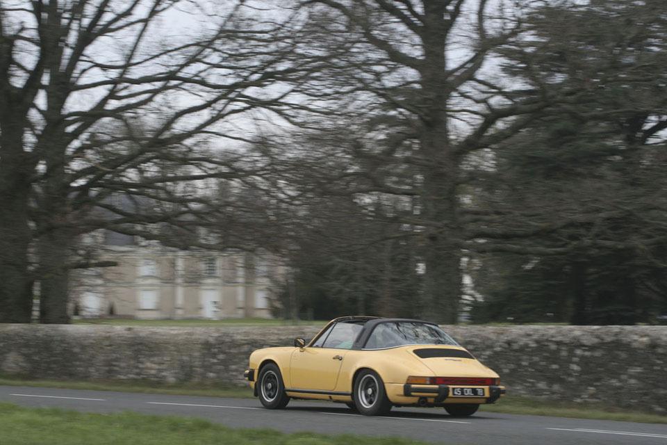 location-porsche-911-targa-seminaires-incentive-team-building-rallyes-location-automobiles-collection-drive-classic-2-2