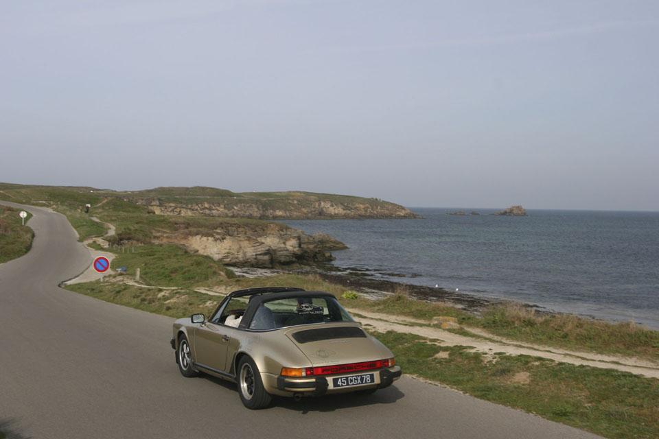 location-porsche-911-targa-seminaires-incentive-team-building-rallyes-location-automobiles-collection-drive-classic-22