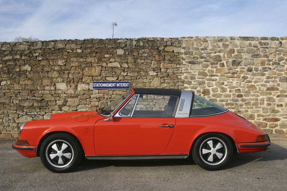 location-porsche-911-targa-seminaires-incentive-team-building-rallyes-location-automobiles-collection-drive-classic-8