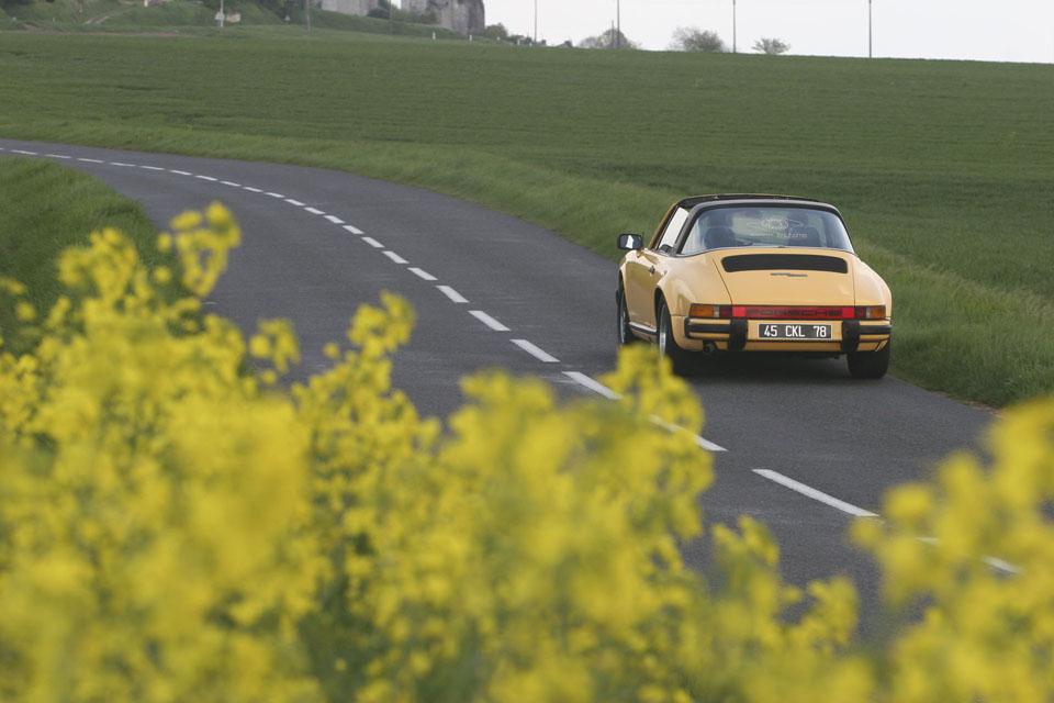 location-porsche-911-targa-seminaires-incentive-team-building-rallyes-location-automobiles-collection-drive-classic-9