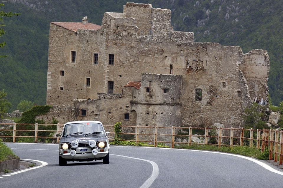location-voiture-ancienne-rallye-historique-drive-classic-03
