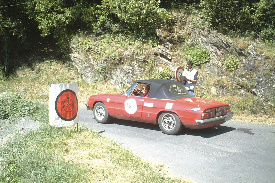 location-voiture-ancienne-rallye-historique-drive-classic-06