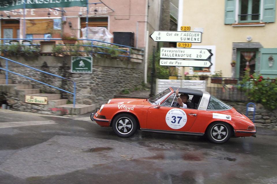 location-voiture-ancienne-rallye-historique-drive-classic-27