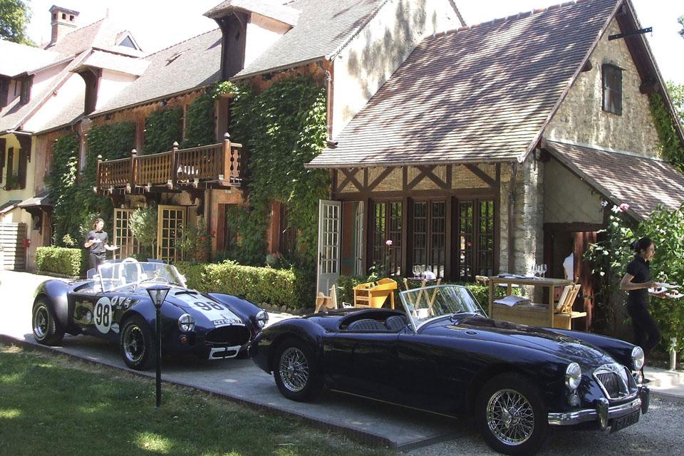 relations-publiques-seminaires-incentive-location-automobiles-collection-drive-classic-00