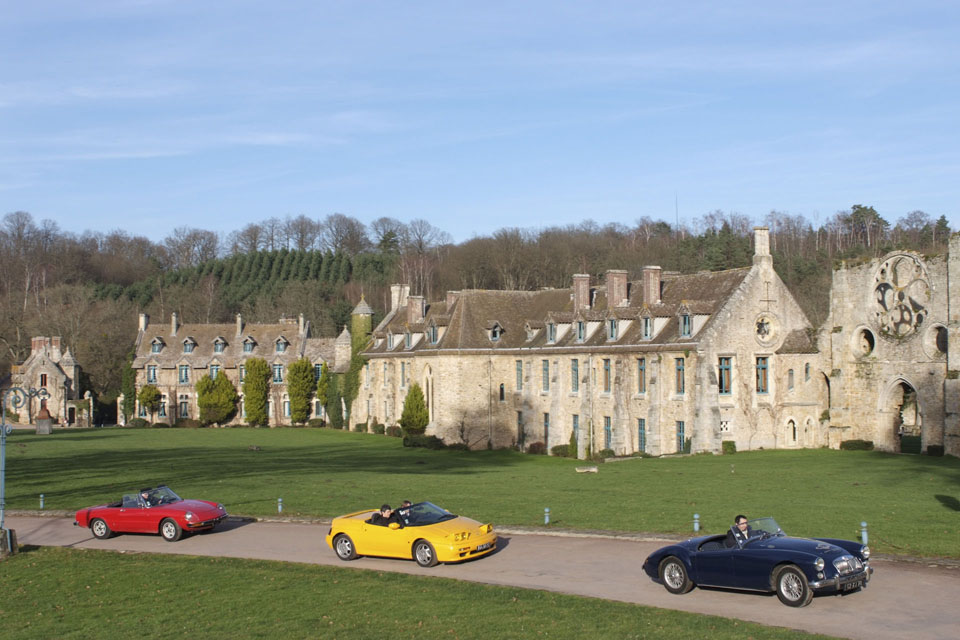 relations-publiques-seminaires-incentive-location-automobiles-collection-drive-classic-7