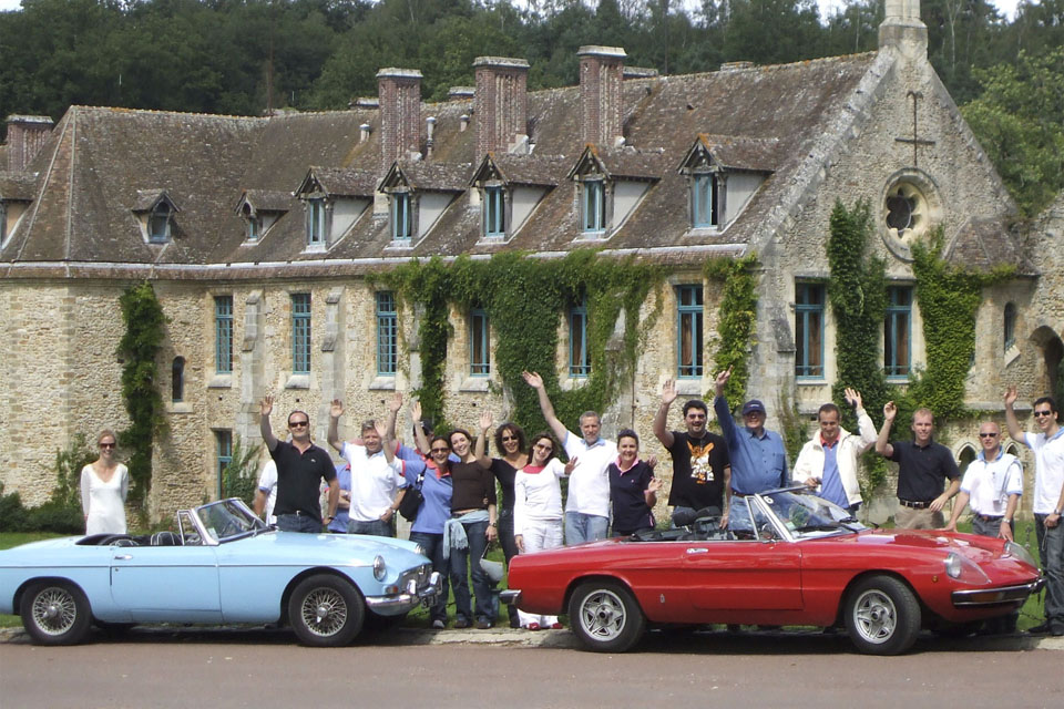 team-building-seminaires-incentive-location-automobiles-collection-drive-classic-11
