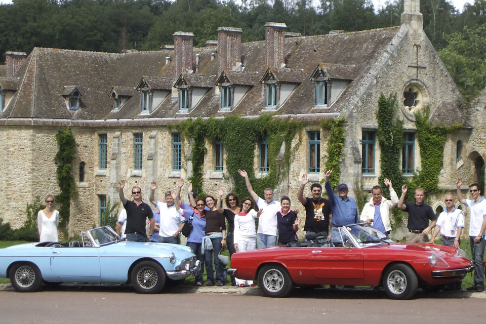 incentive-team-building-tourisme-groupe-plaisir-location-automobiles-collection-coaching-seminaires-drive-classic-18