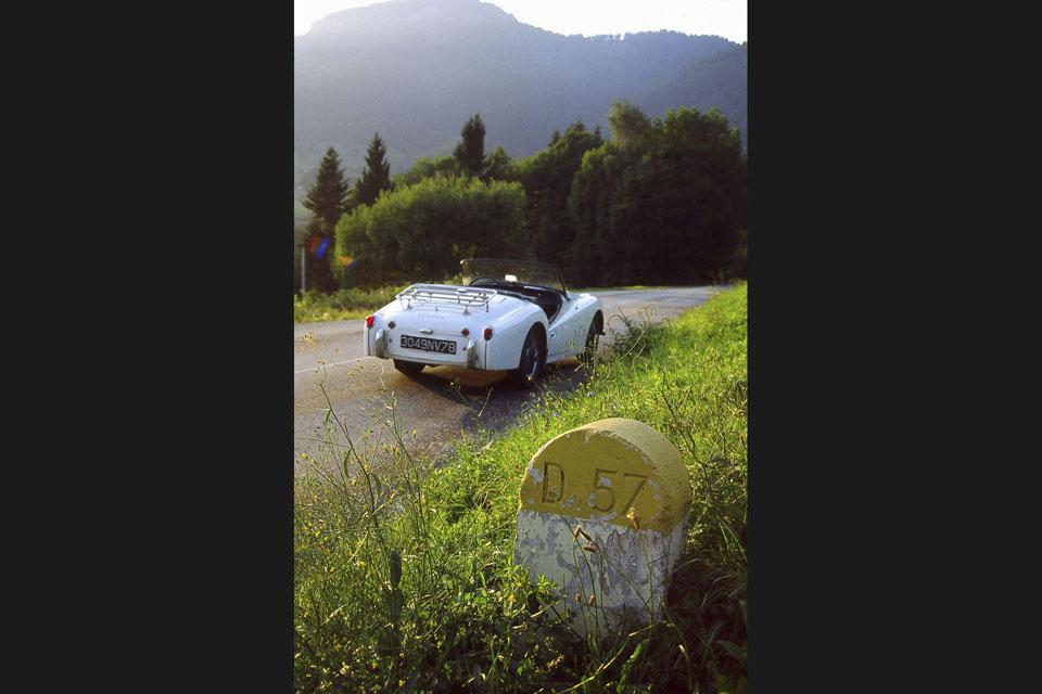 location-voiture-ancienne-cabriolet-03